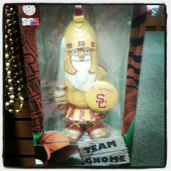 Photo taken at USC Bookstore (BKS) by Kelly B. on 4/13/2013