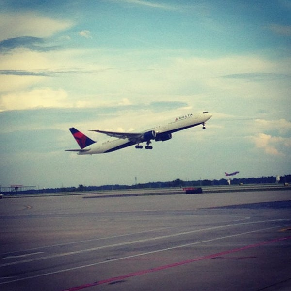 Photo taken at Hartsfield-Jackson Atlanta International Airport (ATL) by Ryan H. on 6/19/2013