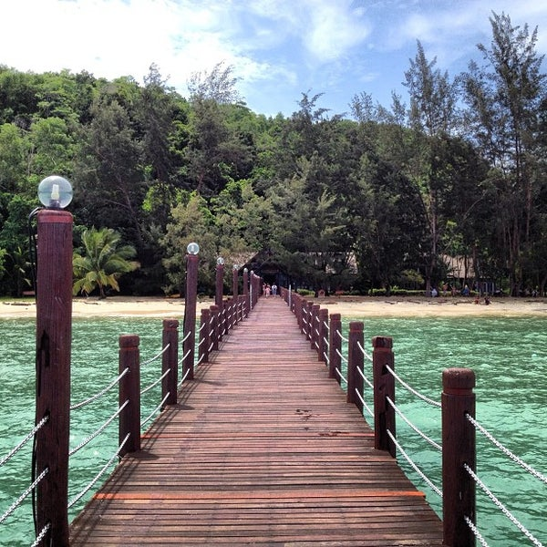 Photo taken at Manukan Island Jetty by Felix S. on 3/7/2013