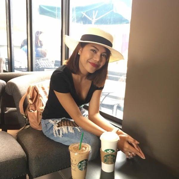 Photo taken at Starbucks by Kwan w. on 4/16/2017
