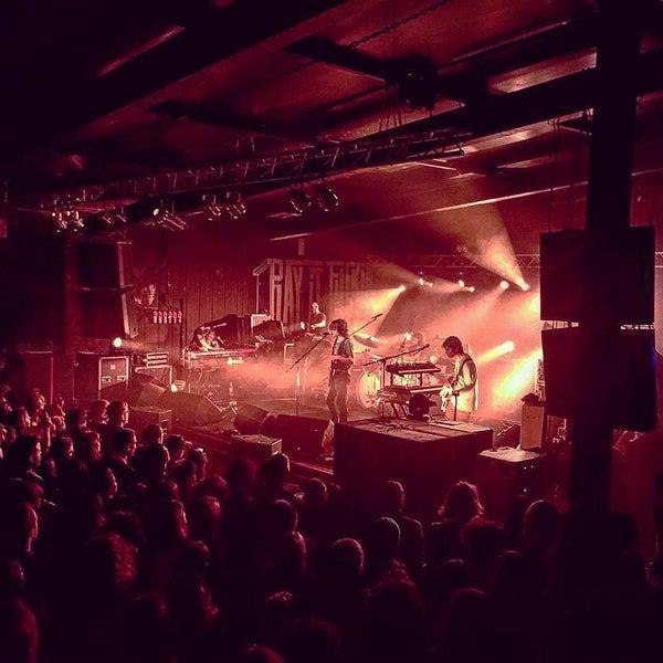 Foto scattata a Velvet Club & Factory da Massimiliano S. il 11/8/2015