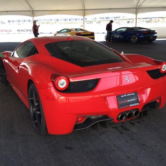 Foto tirada no(a) Exotics Racing por Brian G. em 10/23/2012