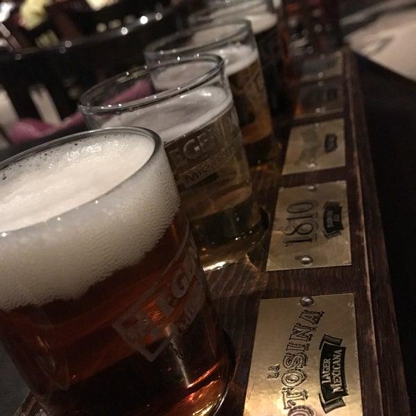 Mala cerveza y servicio pésimo. Evítense la pena.
