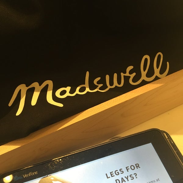 Photo taken at Madewell by Grace on 7/18/2016