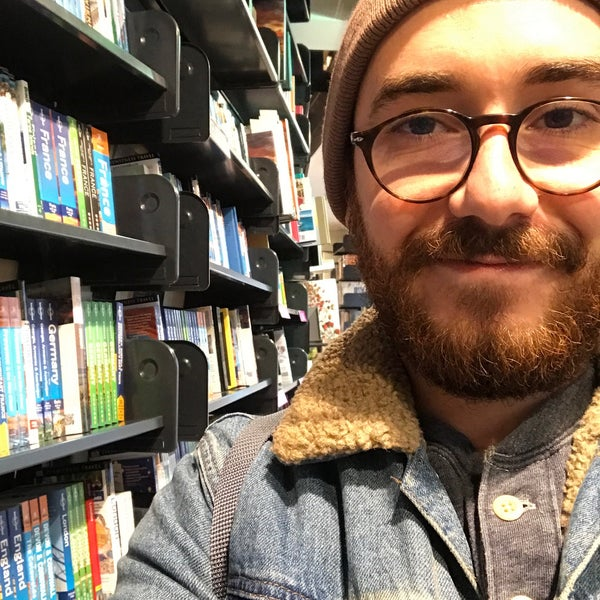 Foto tirada no(a) The American Book Center por Valentino M. em 1/13/2018