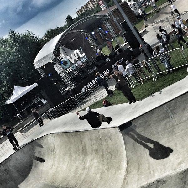 Das Foto wurde bei Скейт-парк «Садовники» von Ksusha S. am 6/17/2017 aufgenommen
