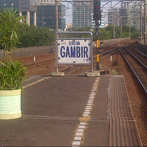 Photo taken at Stasiun Gambir by Deaaaa G. on 3/29/2013