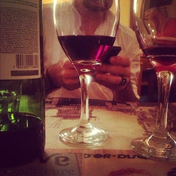 Foto tirada no(a) La Tartine Bistrot por Raphael D. em 11/25/2012