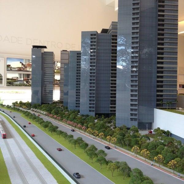 Foto tirada no(a) Obras Parque da Cidade por Fernanda d. em 4/6/2013