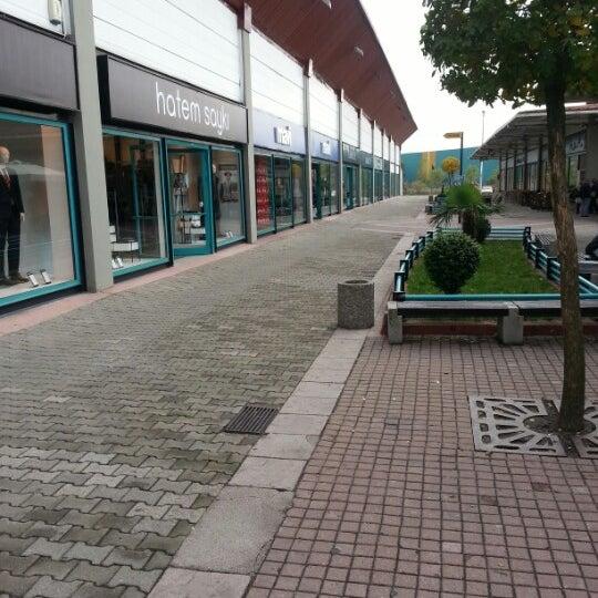 10/25/2012 tarihinde Atakan A.ziyaretçi tarafından Outlet Center'de çekilen fotoğraf