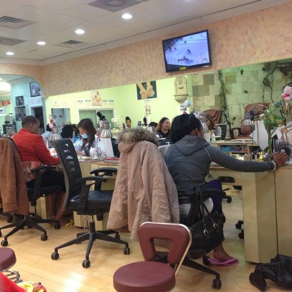 Kelly Nails - Nail Salon