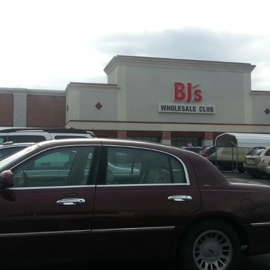 BJ's Wholesale Club in Leominster, MA offers Members a huge selection of the best products for home & business - from groceries, cleaning supplies and health & beauty, to home goods, computers, electronics and more -- at incredibly low prices every day.5/10(3).