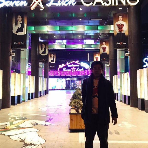 Photo taken at Seven Luck Casino by Toshimi M. on 3/11/2017
