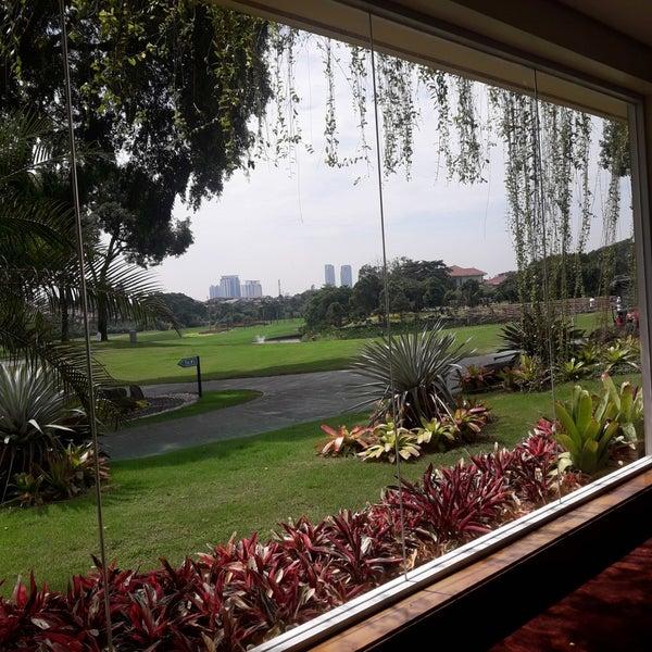 6/27/2018 tarihinde Rasmaziyaretçi tarafından Pondok Indah Golf & Country Club'de çekilen fotoğraf