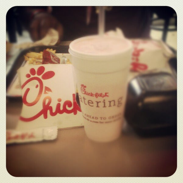 Photo taken at Chick-fil-A by Robert I. on 10/27/2012