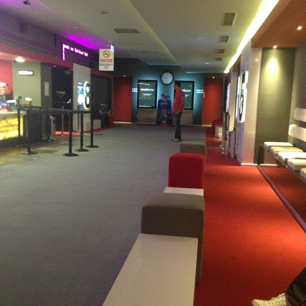 Photo taken at Cinemaximum by Özlem G. on 7/29/2013