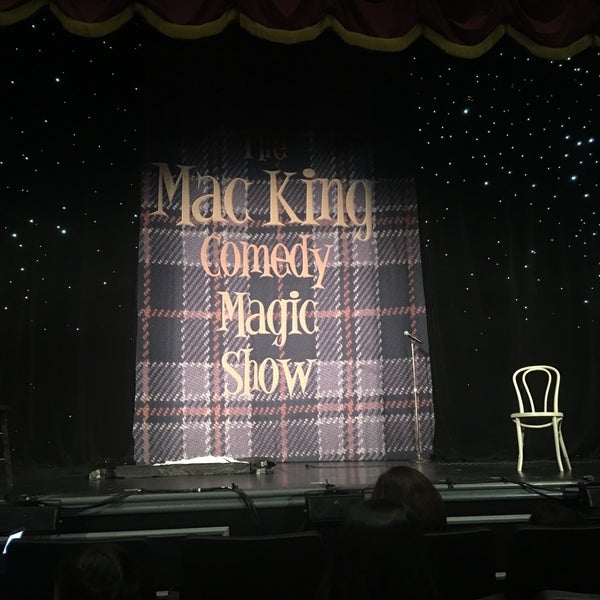 Photo taken at The Mac King Comedy Magic Show by Dennis D. on 7/21/2017