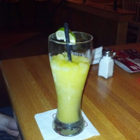 Photo taken at Applebee's Neighborhood Grill & Bar by Abby K. on 11/4/2012