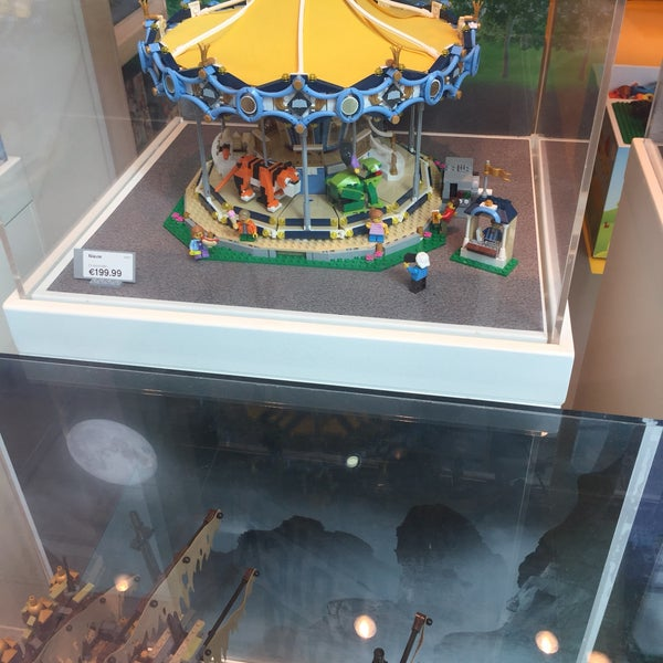Photo taken at LEGO Store by Steven C. on 7/31/2017