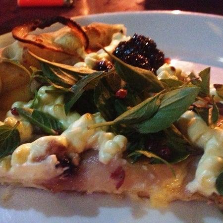 Sempre uma boa pedida, se você curte uma boa pizza. http://bit.ly/18yg9Uy