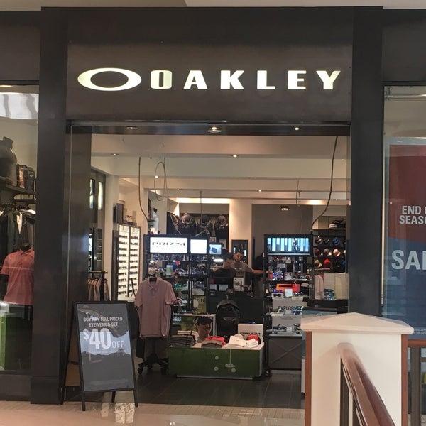 oakley aventura mall