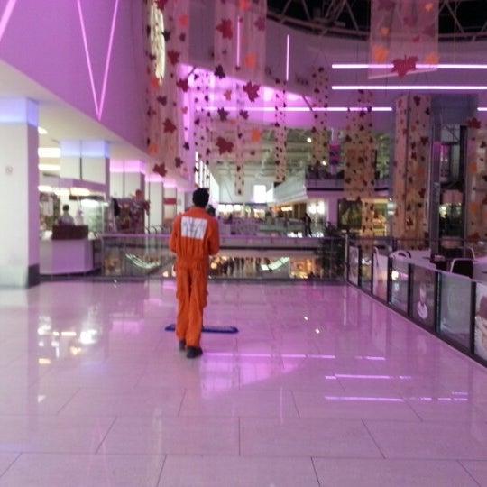 11/26/2012 tarihinde Metin B.ziyaretçi tarafından Family Mall'de çekilen fotoğraf