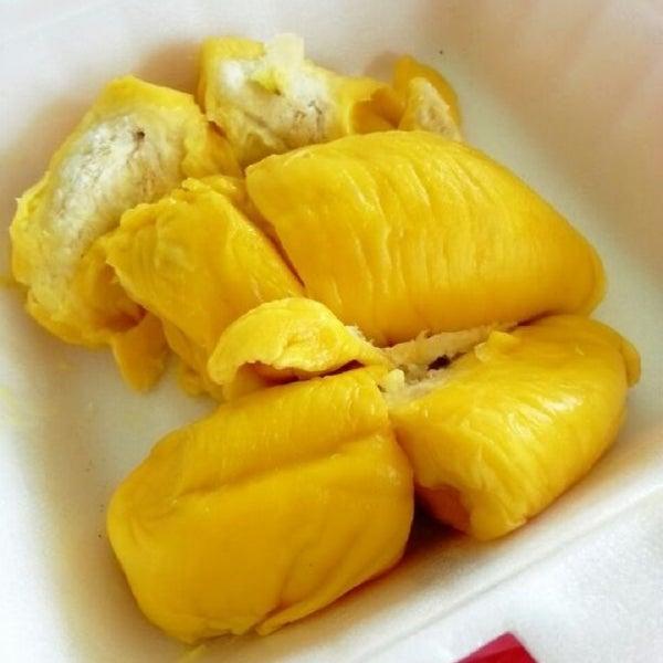 """Photo prise au """"Combat"""" Top Quality Durian par JK le6/14/2013"""