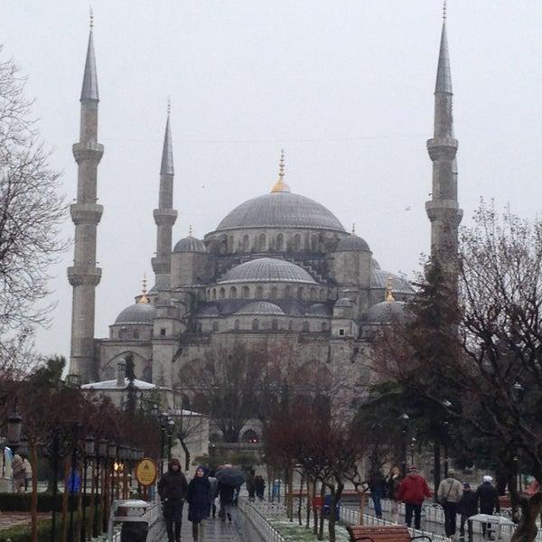 Das Foto wurde bei Ayasofya Hürrem Sultan Hamamı von Steven M. am 1/7/2013 aufgenommen