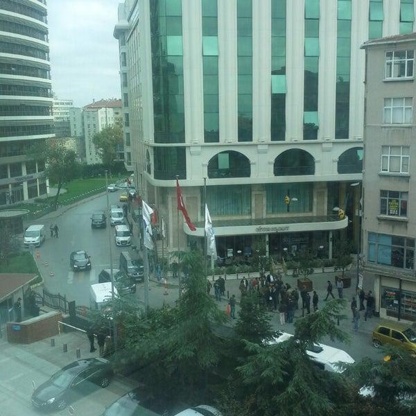Снимок сделан в Boğaziçi Elektrik Genel Müdürlüğü (Bedaş) пользователем Emine🏂 11/1/2013