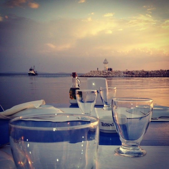 10/22/2012 tarihinde Duygu S.ziyaretçi tarafından Küçükkuyu Limanı'de çekilen fotoğraf