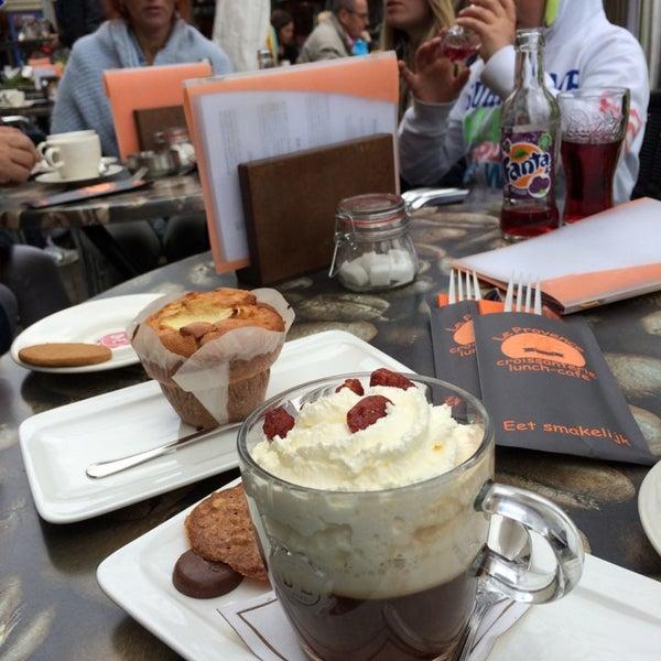 Foto scattata a Lunch-Café Le Provence da Alex K. il 5/3/2014
