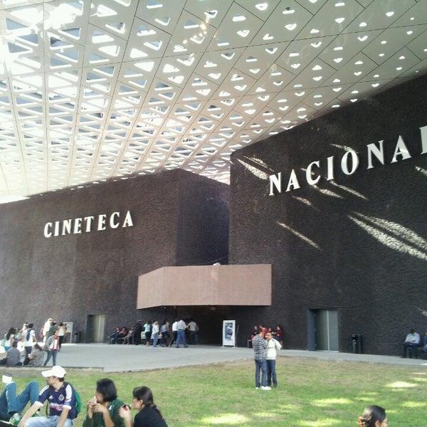 Foto tomada en Cineteca Nacional por Danita H. el 7/27/2013