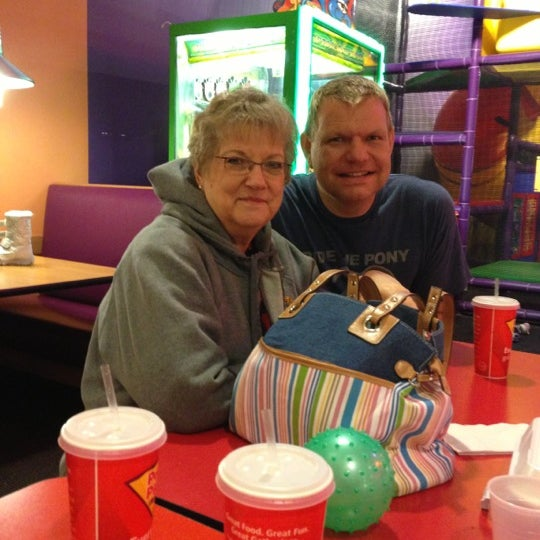 Photo taken at Peter Piper Pizza by Beverly S. on 11/24/2012