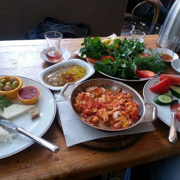 5/25/2014 tarihinde Lina M.ziyaretçi tarafından Dodo Cafe & Pub'de çekilen fotoğraf