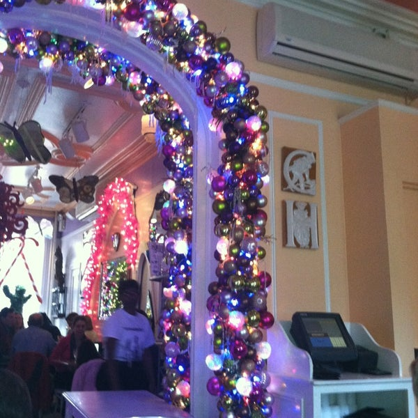 Photo taken at Serendipity 3 by Michelle B. on 2/2/2013