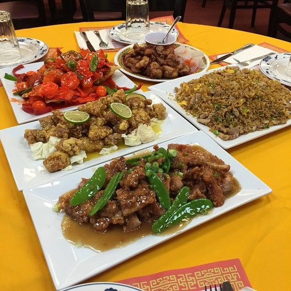 Photo taken at Chifa Du Kang Chinese Peruvian Restaurant by Chifa Du Kang Chinese Peruvian Restaurant on 1/12/2015