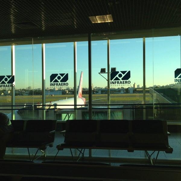 Снимок сделан в Международный аэропорт Конгоньяс/Сан-Паулу (CGH) пользователем Carlos H. 11/14/2013