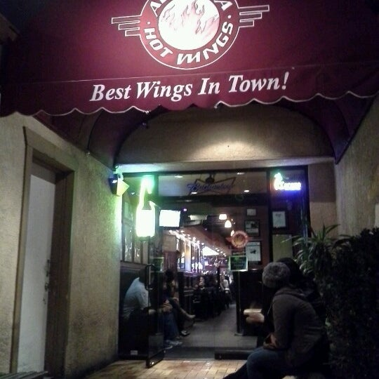 Photo taken at Alondra Hot Wings by Diego G. on 11/30/2012