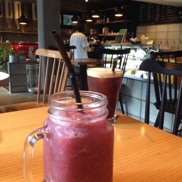 8/22/2013에 MiJin H.님이 Experimental Coffee Bar by SAANG에서 찍은 사진