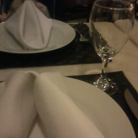 Photo taken at Canal 4 Restaurante e Pizzaria by Ramon F. on 11/14/2012