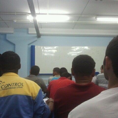 Foto diambil di UNINASSAU - Centro Universitário Maurício de Nassau oleh Boanerges B. pada 10/30/2012
