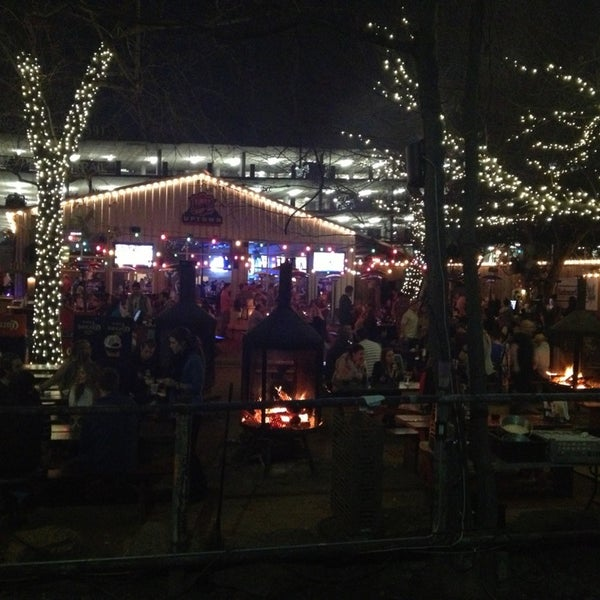 Photo taken at Katy Trail Ice House by 🌺Jannie on 1/20/2013