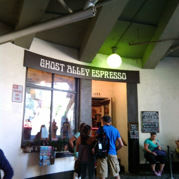 Photo taken at Ghost Alley Espresso by Ellen B. on 7/29/2014