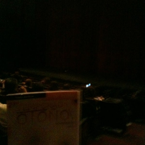 Foto tomada en Teatro Hidalgo por Pamella V. el 11/16/2013