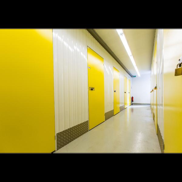 lagerraum stuttgart mieten hallen und mieten in halberstadt lagerraum with lagerraum stuttgart. Black Bedroom Furniture Sets. Home Design Ideas