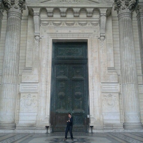 Photo taken at Justitiepaleis / Palais de Justice by Pieter H. on 5/9/2013