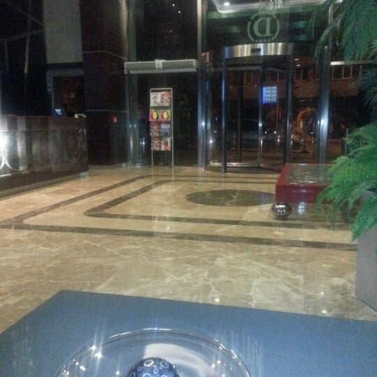 11/14/2012 tarihinde özer D.ziyaretçi tarafından Demora Hotel'de çekilen fotoğraf