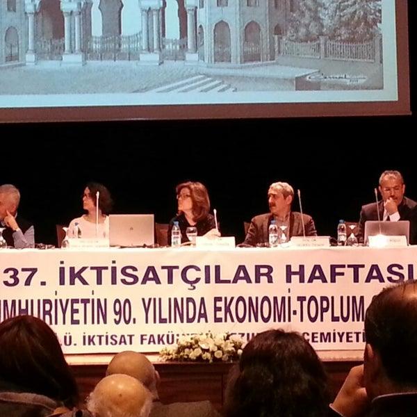 3/26/2013 tarihinde Yusuf A.ziyaretçi tarafından İstanbul Üniversitesi Kongre Kültür Merkezi'de çekilen fotoğraf
