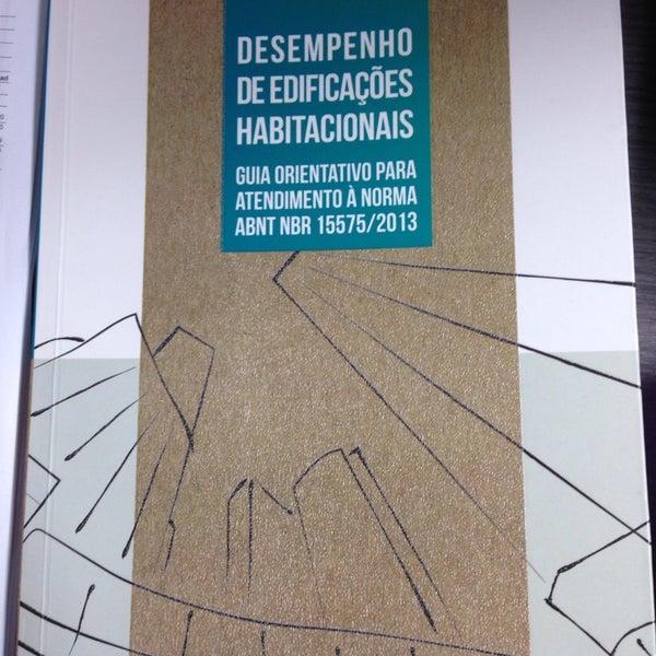 Foto tirada no(a) Dimensão Incorporações por Eduardo S. em 7/9/2014