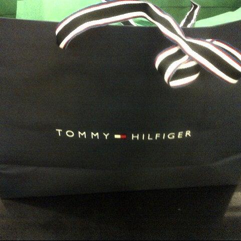 tommy hilfiger company store 1 tip. Black Bedroom Furniture Sets. Home Design Ideas